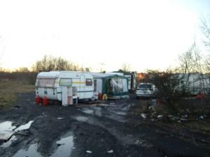 20110109-CampementRromsHarnes-10