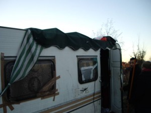 20110109-CampementRromsHarnes-18